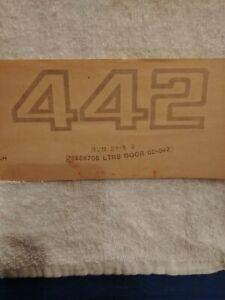 Nos 1984 87 Oldmobile Cutlass 442 Front Door Gold Decal