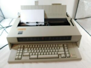 Ibm Wheelwriter 5 Typewriter With Manuals Cover Ribbon And Reference Cards