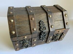Vintage Wood Lion Head Treasure Chest Jewelry Trinket Box Tray Lined Halloween