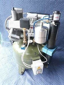 Cattani Oil less Dental Compressor Made In Italy 3 Cylinder Great Condition