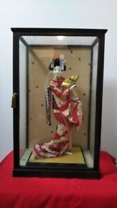 Vintage Japanese Geisha Doll In Kimono 19 5 On Wooden Base In Glass Case Antiqu