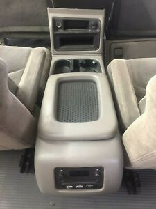 05 Tahoe Center Console Front Floor With Rear Radio Controls Shale Pewter Oem