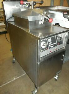 Used Henny Penny Model 600 Pressure Fryer Natural Gas