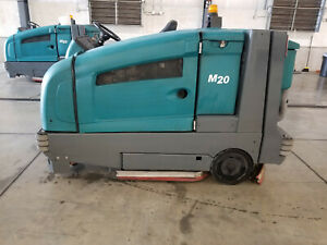 Tennant M20 Ride On Sweeper Scrubber Lp Propane