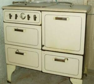 Old Gas Stove Maybe Vintage Or Antque As It Is Possibly 100 Years Old