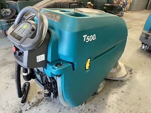 Tennant T500e 32 Disk Floor Scrubber Low Hours Low Profile Squeegee