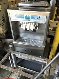 Taylor 161 Soft Serve Countertopbice Cream Machine m2