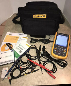 Fluke 124b Industrial Scopemeter Hand held Oscilloscope 2 Input Channels 40 Mhz