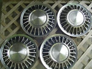 Vintage 1967 67 1968 68 Ford T Bird Thunderbird Hubcaps Wheel Covers Center Caps
