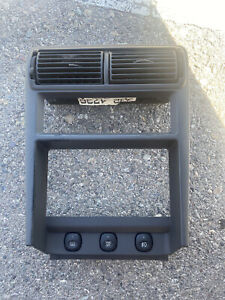 01 04 Ford Mustang Center Dash Bezel Ac Vents Radio Trim Black 01 02 03 04