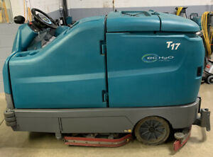 Reconditioned Tennant T17 Ride On Floor Scrubber