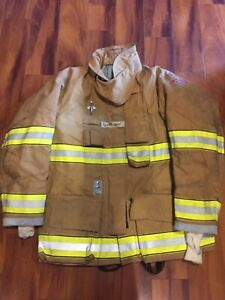 Firefighter Globe Turnout Bunker Coat 46x32 G xtreme 2010 No Cut Out