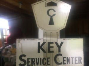 Rare Vintage 1960s Chevy Gmc Dealer Counter Key Rack Display