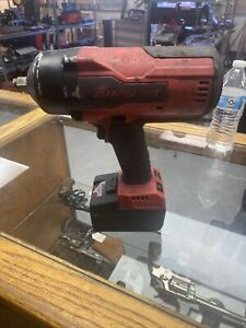 Snap on Ct9075 Monster Lithium Cordless Impact Wrench 1 2 Drive 5 0ah Batter