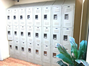 Salsbury Standard Tan Metal Lockers Sale For All Of Them Shown On The Picture