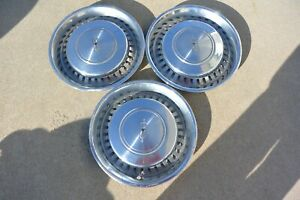 Vintage Set Of 3 197577 Oldsmobile 15 Hubcaps Cutlass Nice Driver Condition