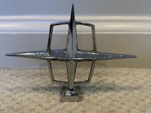 Lincoln Hood Ornament Emblem