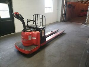 2007 Raymond 8400 Walkie Rider Pallet Jack With Battery