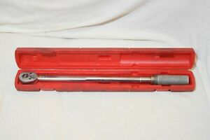 Snap On Tools 1 2 Drive 30 200 Ft Lbs Click Style Torque Wrench Qjr 3200b