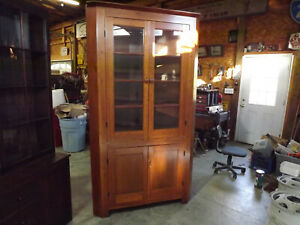 Early 19th Century Cherry Corner Cabinet 1800s American Colonial Craftsmanship