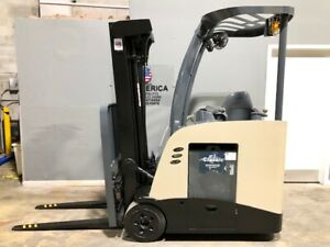 2011 Rc5500 Crown Narrow Aisle Electric Forklift 3 000 Lb Cap With 84 190 H