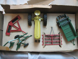 Early Hard To Find 1950 s Tru toy No 7 150 Die Cast Metal Farm Implement Set
