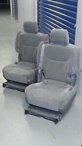 2004 2009 Oem Toyota Sienna Jump Seat 2nd Row Second Back Middle Jumper S9953