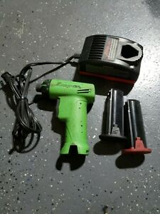 Snap On Ctc572 7 2v Battery Charger W Batteries Cts561clg Cordless Screwdriver