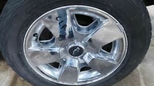 Wheel 20x8 1 2 5 Spoke Covered Lug Nuts Fits 09 11 Avalanche 1500 1064840