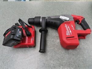 Milwaukee 2717 20 M18 Fuel 1 9 16 Sds max Rotary Hammer 8 0 Battery charger