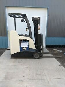 2011 Crown Rc5530 30 Electric Standup 9000 Free Shipping Battery Forklift