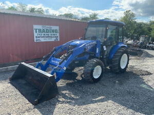 2016 New Holland Boomer 41 4x4 41hp Compact Tractor W Cab Loader Only 600hrs