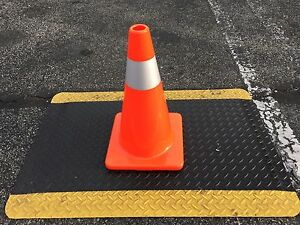 18 Safety Traffic Cone Orange With Reflective Stripe 5pack