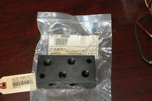 Vickers Dgvmf 3w sp 10 Sub Plate New