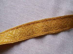 Vintage Gold Metallic Trim Repeating Scrolled Leaf French