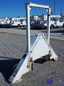 Outrigger Set Type A Hydraulic For Utility Bucket Truck Crane Or Boom Lift