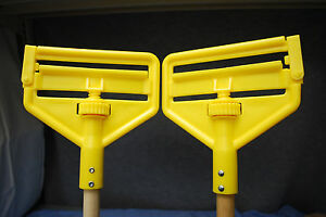 Rubbermaid Commercial Side Gate Wet Mop 54 Wood Handles Lot Of 2 M3727