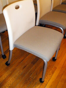 366 Steelcase Turnstone Sweeper Guest Chair W casters White W taupe Fabric 1 3