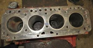 Ford Newholland Fo 134 Engine Block Used B9006015a Needs To Be Bored 4 Cyl
