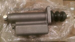 5 Ton Master Cylinder M809 Military Truck Parts 2530 00 741 1070 12356931 1