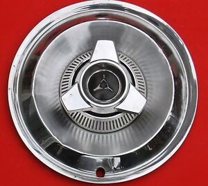 1964 1965 Dodge With Spinner Wheel Cover