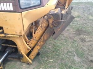 Case 580c Loader backhoe Left Outrigger W pad Less Cylinder