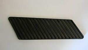 Ferrari 365 Gt 2 2 Left Front Wing Grille 2518665106 Algar Ferrari On Sale Now