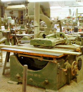 1000off American Straight Line Rip Table Saw 25hp3ph Belt Drive 16 20 Dia Saw