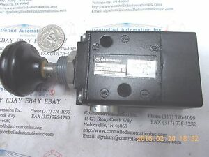 Norgren 03060402 Black Push Button Pneumatic Manual Control Valve