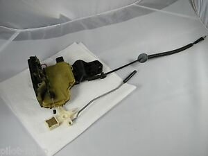 1999 Vw Passat 4 Door Left Driver Rear Door Lock Assembly With Pull 98 01