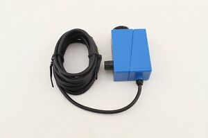 Color Mark Sensor With Supply Voltage 10 30vdc And 2m Cable Bzj 411