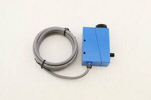 Color Mark Sensor With Supply Voltage 10 30vdc And 2m Cable Bzj 211