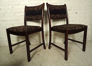Four Mid Century Rosewood Dining Chairs 09645nz