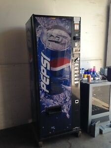Pepsi coke Dixie Narco 276 6 Flat Front Soda Vending Machine W coin
